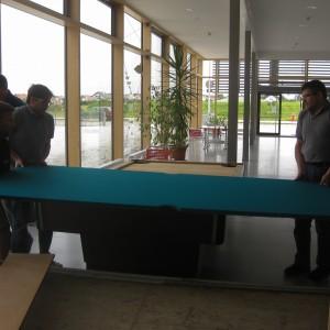 Der schwerste Teil, die Schieferplatte. Wiegt ca. 320 kg